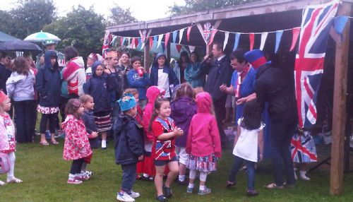image - Jubilee picnic (May 12)